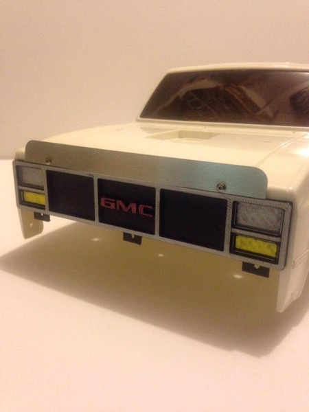 CPE-GRILL12: Clodbuster Mid 80s GMC Sierra Grill